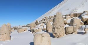 Nemrut Dağı'nda Kar Manzaraları