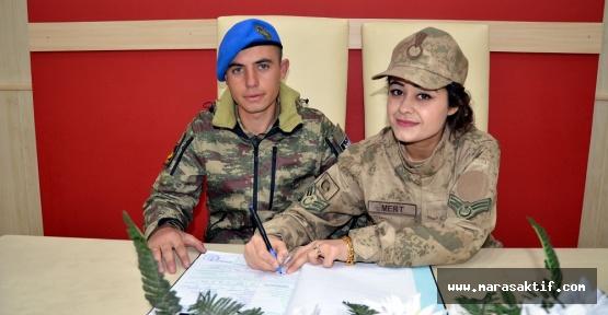 İki Askerin Nikahı Üniformalı Olur
