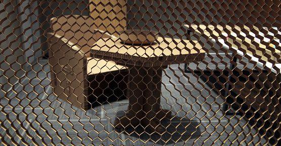 Atık Kağıtlar Masa Sandalye Oluyor