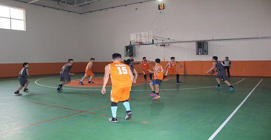 Basketbol ve Voleybol Turnuvası Başladı