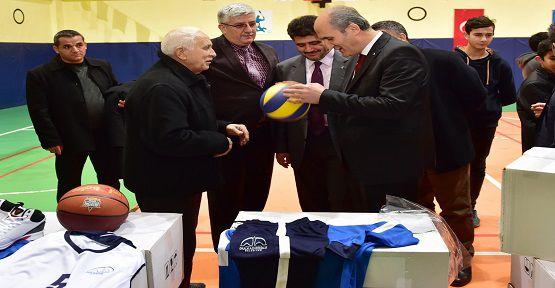 Dulkadiroğlu'ndan Spor Kulüplerine Yardım