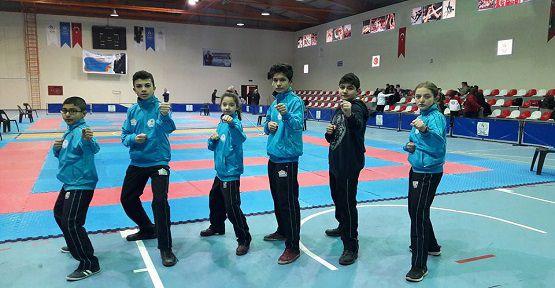 Karateciler Yarı Finalde