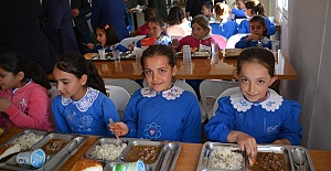 BTC ve BİL Okula Yemekhane Yaptı