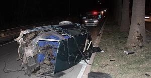 Otomobil İkiye Ayrıldı 5 Yaralı