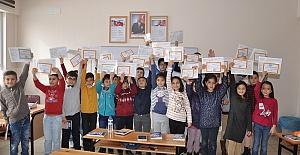 Afşin'de Karneler Dağıtıldı