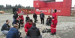 Makedon İtfaiyeciler Eğitim Alıyor