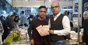 Yıldırım İstanbul'da Kitaplarını İmzaladı