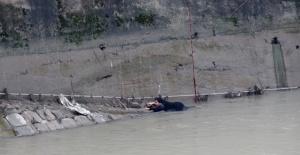 Nehre Düşen Kadın Ölümden Döndü