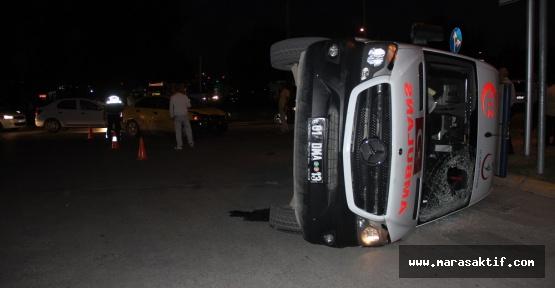 Ambulans Taksiyle Çarpıştı 5 Yaralı