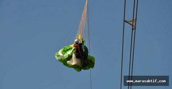 Kahramanmaraş'ta Paraşütçü Tele Takıldı