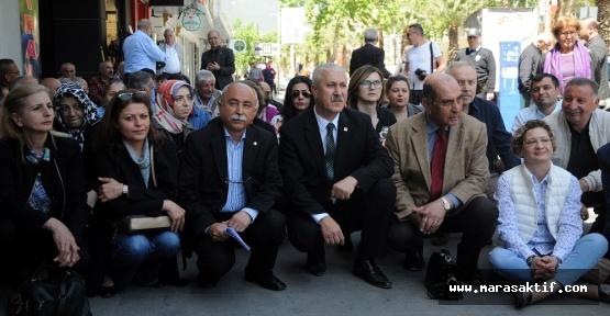 CHP Oturma Eylemi Yaptı
