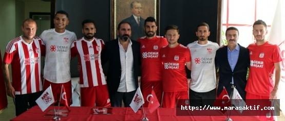 Sivasspor Futbolcularını Tanıttı