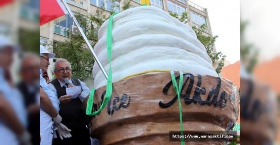 Dünyanın En Büyük Dondurma Topu