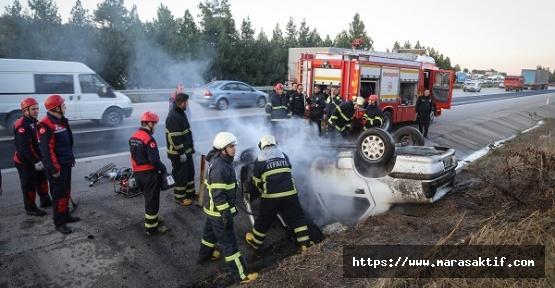 Yanan Otomobilde 2 Kişi Yaralandı