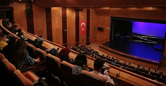 Kahramanmaraş'ta Tiyatro Kapalı Gişe