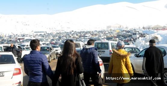 Kayak Merkezi Hafta Sonu Doldu Taştı
