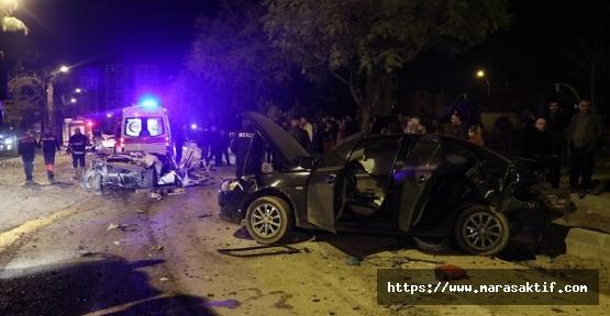 Kazada 2 Kişi Öldü 3 Kişi Yaralandı