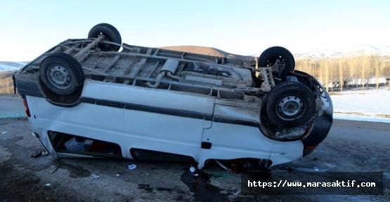 Minibüs Devrildi 16 Yaralı
