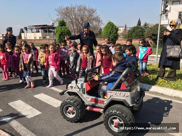 Öğrenciler Trafik Eğitimi Alıyor