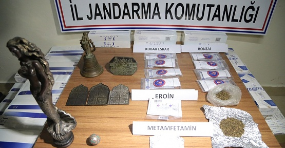 Tarihi Eser, Uyuşturucu ve Sigara Ele Geçirildi