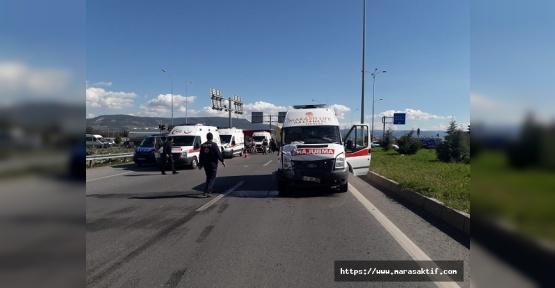 Ambulans Otomobille Çarpıştı 9 Yaralı