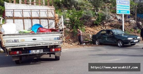 Kamyonet Otomobille Çarpıştı 6 Yaralı