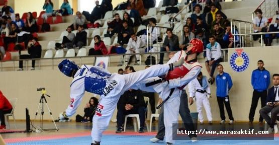 Taekwondo Şampiyonası Devam Ediyor