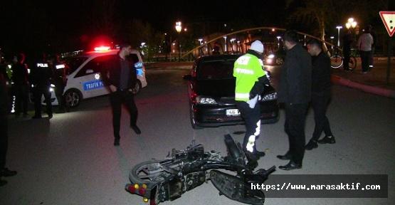 Otomobil Motosikletle Çarpıştı 1 Yaralı