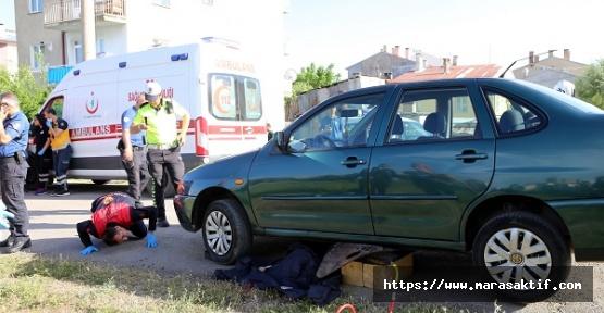 Otomobil Yayalara Çarptı 1 Ölü 1 Yaralı