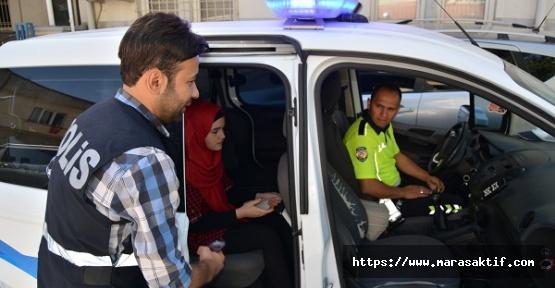 Suriyeli Öğrenciye Polis Yardım Etti