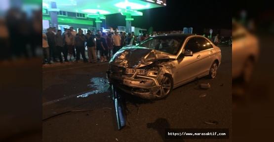 Otomobiller Çarpıştı 2 Kişi Öldü