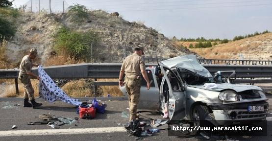 Minibüs Duran Araca Çarptı 2 Ölü