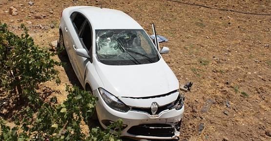 Otomobil Devrildi 5 Yaralı