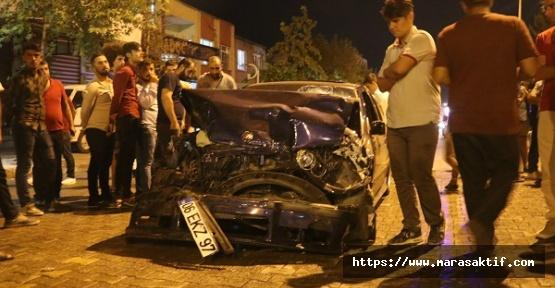 Otomobil Minibüsle Çarpıştı 5 Yaralı