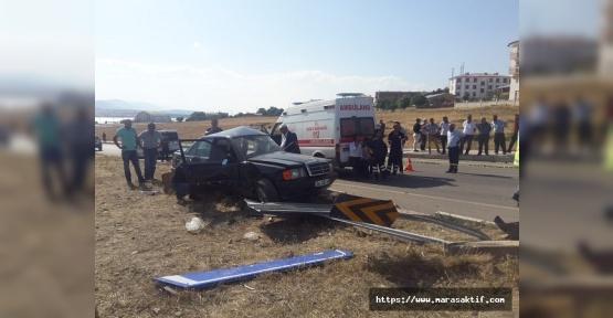 Otomobiller Çarpıştı 1 Ölü 4 Yaralı