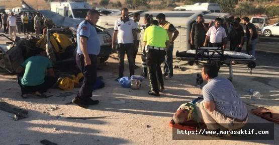 Trafik Kazası 3 Ölü 12 Yaralı