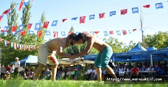 Pehlivanlar Dereköy'de Güreş Tuttu