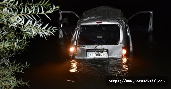 Ticari Araç Nehre Düştü 3 Ölü 5 Yaralı