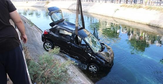 Otomobil DSİ Kanalına Düştü