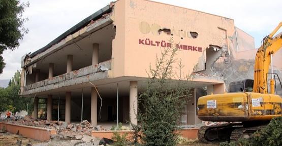 Sabancı Kültür Merkezi Yıkılıyor