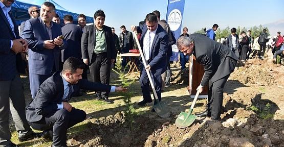 Dulkadiroğlu'nda Bin Fidan Dikildi
