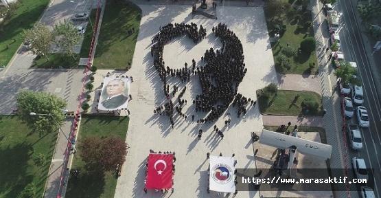 Koreografiyle Atatürk Portresi Oluşturdular