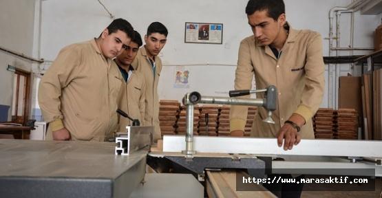 Lisenin Öğrenciye Katkısı 60 Bin Lira