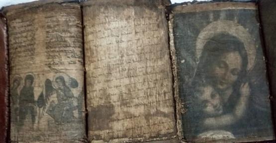 El Yazması Dini Kitap Ele Geçirildi