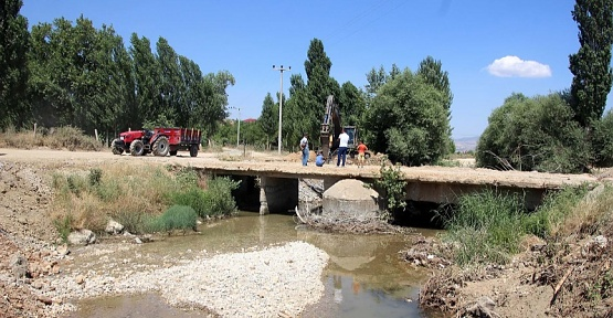 Bozlar Köprüsünde YıkımÇalışmaları Başladı