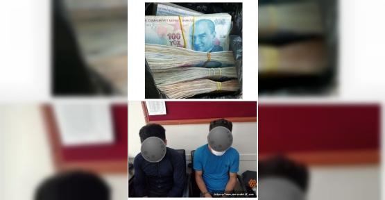 Dolandırıcılar Parayı Çekerken Yakalandı