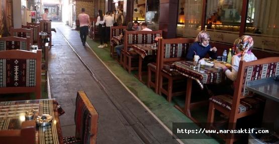 Restoran ve Kafeler Açıldı