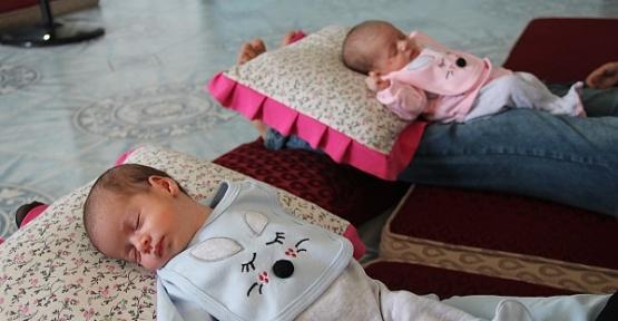 İkizlerine Aya ve Sofya Adını Verdiler