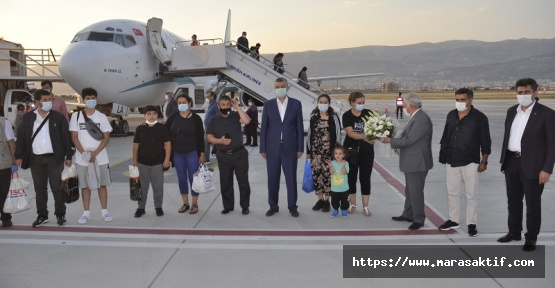 Yurt Dışından Gelen Uçağı Törenle Karşıladık