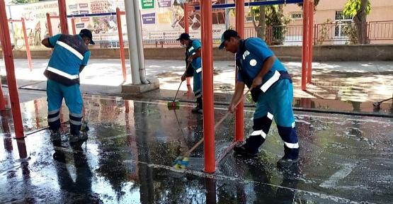 Dulkadiroğlu'nda Bayram Sonrası Temizlik Yapıldı